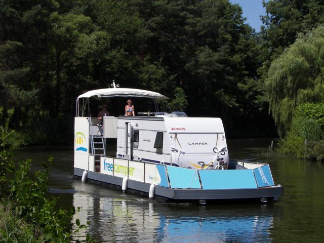 Lisa: Ein Wohnwagen sticht in See