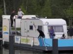 Familie Austilat beim Fahrtraining auf dem freecamper
