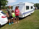 Die Dänen nach der freecamper-Tour mit dem Wohnwagen
