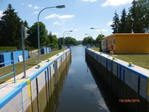 Schleuse Zerpenschleuse - Blick in Richtung Osten - Finowkanal mit Wasserstraßenkreuz