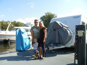 Mit Kind und Hund und Wohnwagen ein abenteuerreiches Erlebnis auf dem freecamper