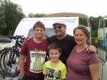 Diese Gäste aus der Schweiz haben mit dem Wohnwagen auf dem Wasser sunderbare Landschaften erlebet