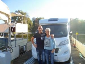 """Die beiden Niedersachsen haben sich für die Silberhochzeitsreise das """"Love-Boot"""" freecamper ausgesucht"""