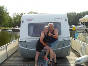 Für diese Schweizer wurden Träume wahr, als sie mit ihrem Wohnwagen auf dem freecamper die Mecklenburgische Seenplatte befuhren.