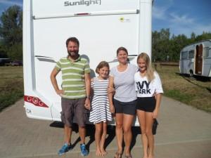 Für die Schweizer war das Wohnmobil auf dem Wasser eine neue Erfahrung - dank freecamper